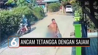 VIDEO: Seorang Pria Lempar Kotoran Manusia dan Ancam Tetangga dengan Sajam Gara-gara Ini
