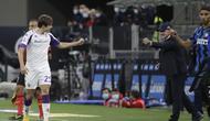 Pemain Fiorentina, Federico Chiesa, merayakan gol yang dicetaknya ke gawang Inter Milan. (AP Photo/Luca Bruno)