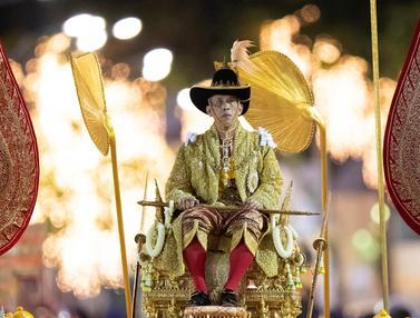 Resmi Dilantik, Raja Baru Thailand Diarak Keliling Kota Bangkok