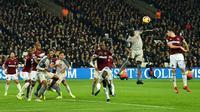 Liverpool menghadapi West Ham United pada laga pekan ke-25 Premier League, di London Stadium, Senin (4/2/2019) malam waktu setempat. (AFP/Glyn Kirk)