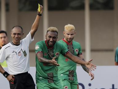 Ada kejadian tak biasa terjadi saat Persija jumpa Kalteng Putra pada laga Liga 1 Indonesia 2019. (Bola.com/M Iqbal Ichsan)