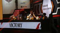 Para pemain RRQ Hoshi melakukan selebrasi usai menaklukkan Bigetron Alpha padak pekan ke-2 MPL Season 7.  (FOTO / MPL ID)