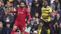 Dua menit berselang giliran Mohamed Salah yang menyumbang gol bagi Liverpool usai menerima umpan dari Roberto Firmino untuk kembali menjauh dari Watford dengan margin 4 gol. (PA via AP/Tess Derry)