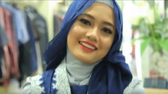 Tutorial Tampil Elegan Ke Pesta Dengan Gaya Hijab Layer Fashion Beauty Liputan6 Com