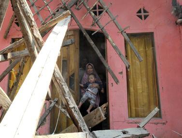 Potret Duka Korban Gempa Banten