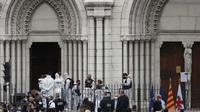Banner Infografis Teror Beruntun dan Status Darurat Tertinggi Prancis. (AP Photo/Daniel Cole)
