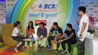 Meski sibuk di dunia hiburan, seleb-seleb ini menyempatkan waktunya untuk mendukung tim bulu tangkis Indonesia di BCA Indonesia Open 2015