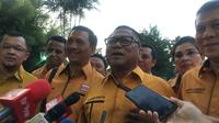 Ketua Umum Partai Hanura Oesman Sapta Odang bertemu Presiden Jokowi di Istana Bogor, Rabu (24/7/2019). (Liputan6.com/ Lizsa Egeham)