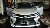 Tampilan New Toyota Veloz saat diluncurkan di Jakarta, Selasa (15/1). Semua varian New Avanza dan Veloz menggunakan boks konsol yang dilengkapi lampu iluminasi, powers lot di baris 1 dan 2, serta USB port di baris 3. (Merdeka.com/Iqbal S. Nugroho)