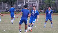 Rene Mihelic menjalani latihan perdananya bersama Persib Bandung.  (Huyogo Simbolon)