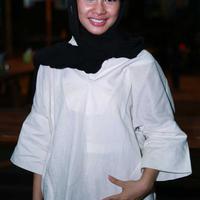 Pasca menikah, Andien harus berlaku sebagai istri yang baik dengan menyiapkan menu makanan sahur dan berbuka untuk sang suami tercinta. (Deki Prayoga/Bintang.com)