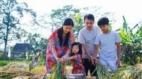 Keluarga Ruben Onsu liburan (Sumber: Instagram/sarwendah29)