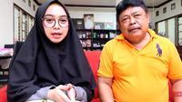 Kenangan Oki Setiana Dewi dan Ria Ricis bersama sang ayah. (YouTube/Ricis Official)