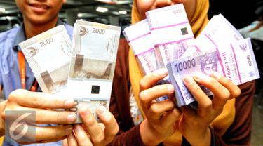 20150708-Penukaran Uang Jelang Lebaran-Jakarta