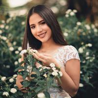 ilustrasi perempuan tersenyum/Photo by Renato Abati from Pexels