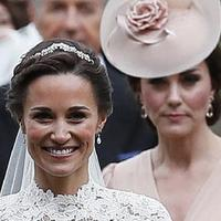 Pippa Middleton dan Kate Middleton (AP)