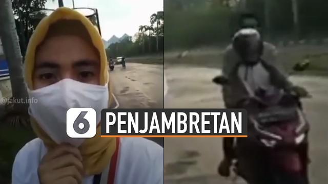 Video aksi penjambretan handphone saat sedang live Facebook viral di media sosial.