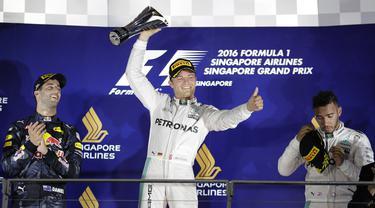 Nico Rosberg Juara GP Singapura
