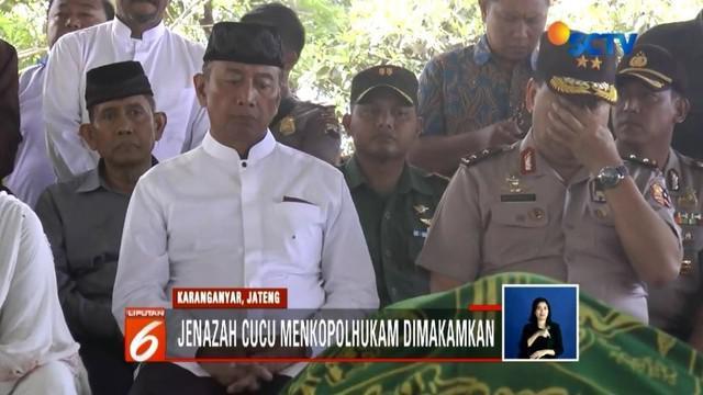 Jenazah cucu Wiranto, Ahmad Daniyal Alfatih, dimakamkan di Karanganyar, Jawa Tengah. Wiranto mengungkapkan keikhlasan keluarga melepas kepergian Daniyal.