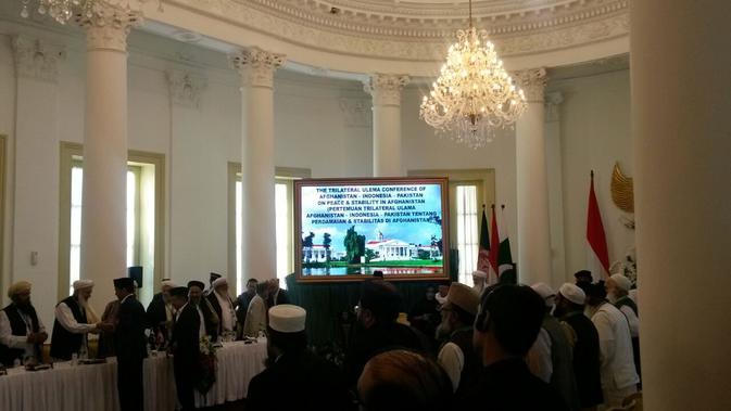 Suasana pembukaan Konferensi Ulama Afghanistan-Indonesia-Pakistan di Istana Bogor, Jumat (11/5) (Rizki Akbar Hasan / Liputan6.com)#source%3Dgooglier%2Ecom#https%3A%2F%2Fgooglier%2Ecom%2Fpage%2F%2F10000