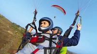 Paraglider Tunanetra (Sumber: Scoop Whoop)