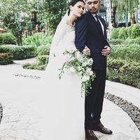 Resmi menikah dengan Petra Sihombing, begini tampilan cantik minimalis Firrina. (Sumber foto: thebridedept/instagram)