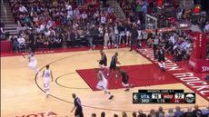 Berita video game recap NBA 2017-2018 antara Houston Rockets melawan Utah Jazz dengan skor 112-102.