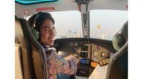 7 Penampakan Isi Jet Pribadi yang Dinaiki El Rumi, Ruang Santainya Curi Perhatian (sumber: Instagram.com/elelrumi)
