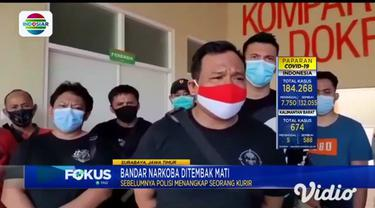 Kasat Narkoba Polrestabes Surabaya, AKBP Memo Ardian mengatakan, pelaku berhasil diringkus, usai ditangkapnya seorang kurir narkoba masuk dalam jaringan pelaku.