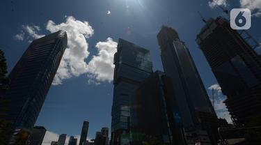 Langit Biru Hiasi Jakarta