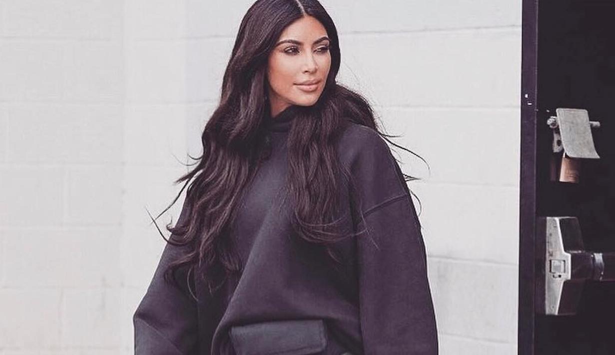 Keluarga Kardashian memang tengah kehadiran bayi-bayi lucu di tahun 2018 ini. Kehadiran Chicago, Stormi dan True membuat keluarga itu semakin berwarna. (instagram/kimkardashian)