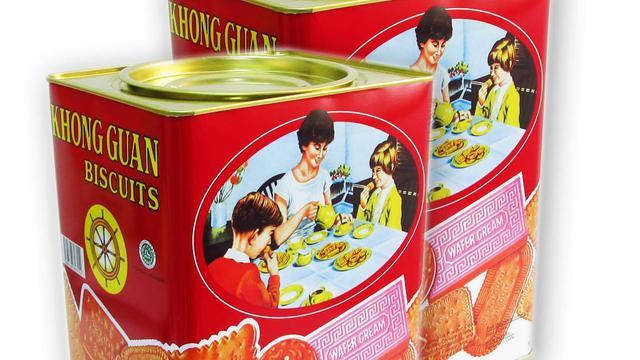 Arti Lukisan Keluarga Tanpa Ayah di Kaleng Biskuit Khong Guan