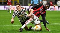 Chelsea kabarnya tak memberikan potongan harga pada AC Milan jika ingin mempermanenkan Fikayo Tomori. (AFP/Marco Bertorello)