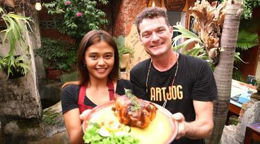 Veronica Tri Haryanti dan Michael Van den Bremt