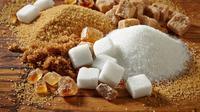 Kopi pakai gula merah vs gula putih, adakah yang lebih menyehatkan? (Foto: iStock)