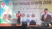 Asisten Deputi Bidang Kreativitas Pemuda Kemenpora, Junaidi, yang mewakili Menpora memberikan sambutan di Festival Kreativitas Pemuda di Bengkulu. (Istimewa)