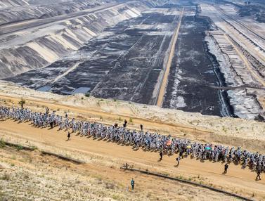 Aktivis Iklim Duduki Tambang Batu Bara Raksasa di Jerman