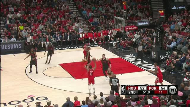 Berita video game recap NBA 2017-2018 antara Houston Rockets melawan Portland Trail Blazers dengan skor 115-111.