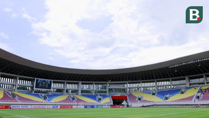 bri liga 1: pelatih persib soroti rumput stadion yang digunakan pada seri kedua