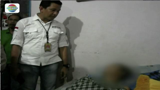Dua dari tujuh pelaku penganiayaan dengan menggunakan senjata tajam dan senjata api terhadap seorang pemuda, diringkus polisi di kawasan Kebon Jeruk, Jakarta Barat.