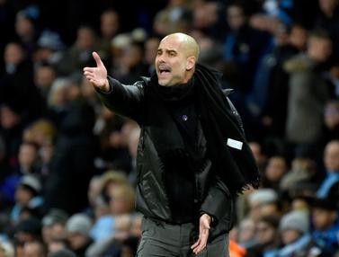 Ekspresi Pep Guardiola Saat Manchester City Dikalahkan MU
