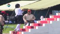 Sementara 34 anggota putra berlatih sebagai komandan kelompok pengibar, pembentang, dan pengerek Bendera Merah Putih.