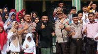 Kapolres Pemalang mengunjungi Ponpes Ali Nur Fuadiah. (Foto: Liputan6.com/Polres Pemalang/Muhamad Ridlo)