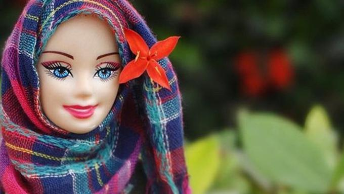Hijarbie Boneka Barbie Berhijab Yang Memikat Perhatian Dunia
