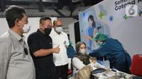 Perbanas bekerjasama dengan Bio Farma dan Kimia Farma menyiapkan 130.000 dosis vaksin sinopharm pada program vaksinasi gotong royong bagi 65.000 karyawan dari 48 bank pemerintah, swasta, asing dan daerah untuk mencapai target herd immunity di bulan Agustus 2021. (Liputan6.com/HO/Rizky)