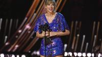 Tour of the Year atas tur Reputation-nya dari iHeartRadio Music Awards 2019. (KEVIN WINTER / GETTY IMAGES NORTH AMERICA / AFP)