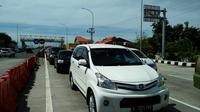Arus kendaraan bermotor di jalur pantura Brebes-Tegal-Pemalang-Pekalongan selama libur panjang Natal 2016. (Liputan6.com/Fajar Eko Nugroho)