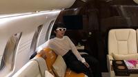 Momen Aming saat diundang naik jet pribadi, gayanya curi perhatian. (Sumber: Instagram/@amingisback)