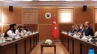 Menteri Luar Negeri Turki Mevlut Cavusoglu pada Kamis (14/10) bertemu dengan delegasi senior Taliban dari Afghanistan (Xinhua)