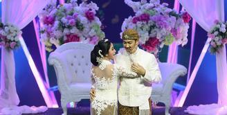 Dewi Perssik dan Angga Wijaya